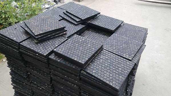 mosaic tile linings embeyed as wear resistant material