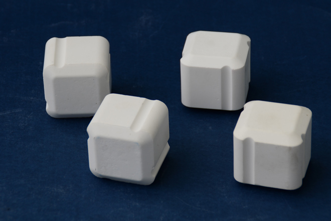 alumina ceramic cube with self-lock