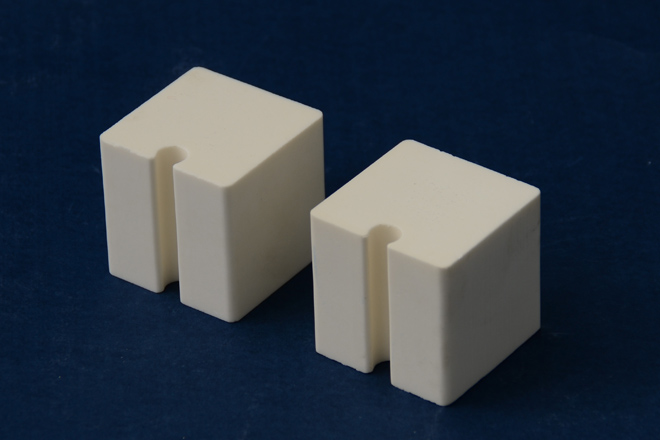 alumina ceramic block with groove